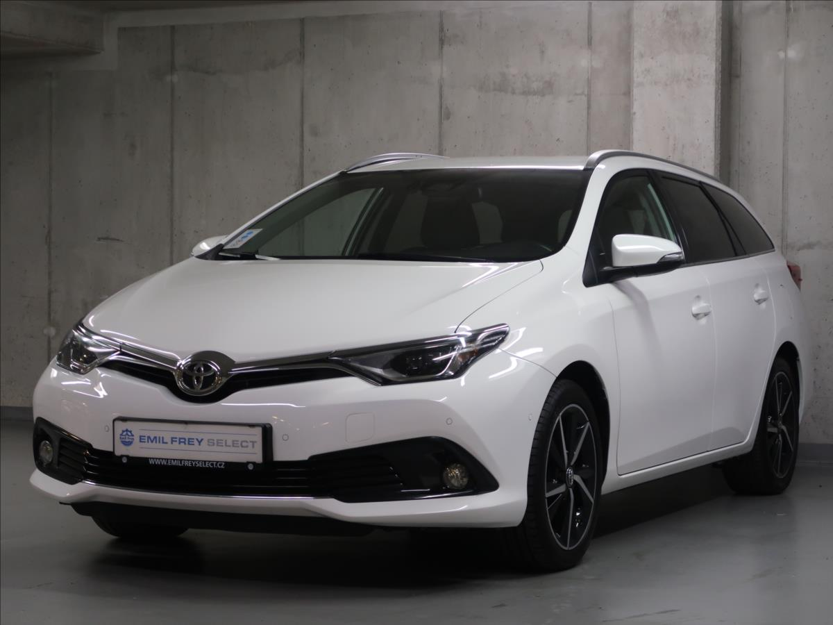 Toyota Corolla sedan 1,6 VVT-i,CZ,ActiveL